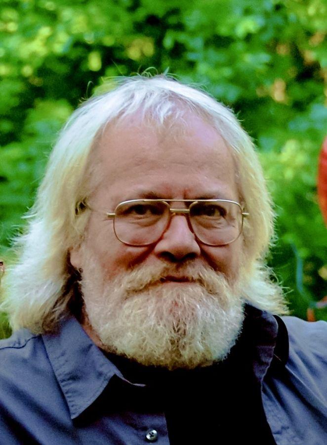Thomas E.  Roberts