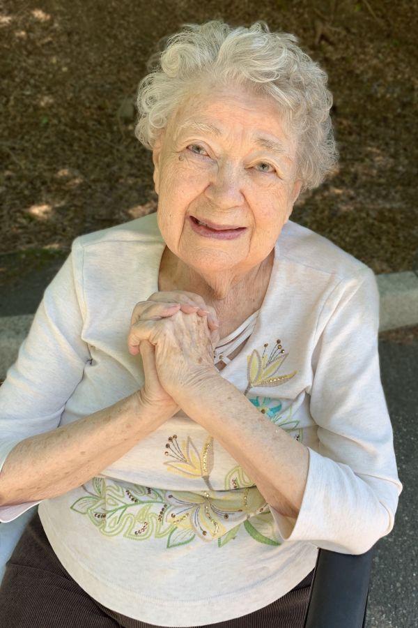 Susan Anita  Hoxter