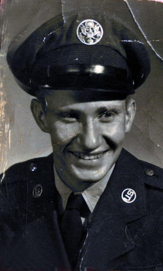 Earl  E. Bender