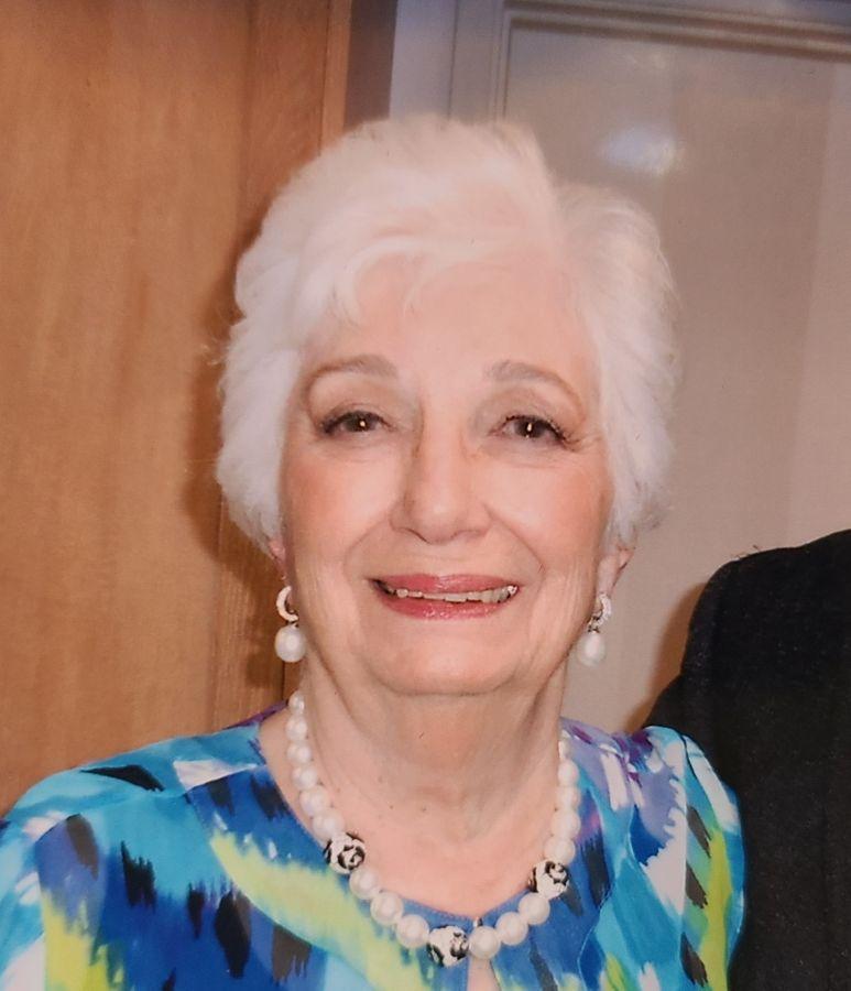 Beverly Elaine Gattari