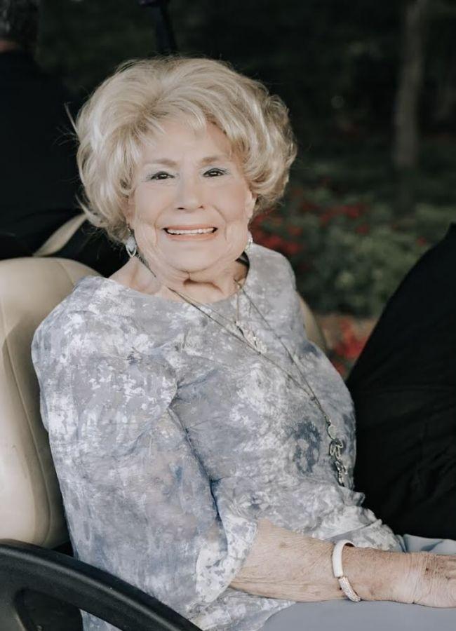 Gloria Kahn
