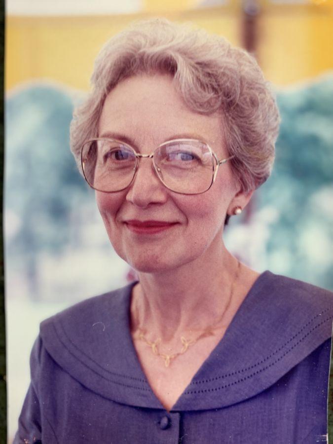 Elza VanDerWaerden Gross